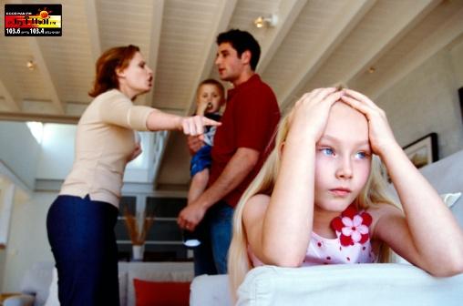 பெற்றோர்களே குழந்தைகளின் முன் மிக அவதானமாக இருங்கள்.