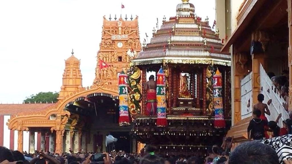 அலங்காரக் கந்தன் நல்லூரானின் தேர்த்திருவிழா  படங்கள்