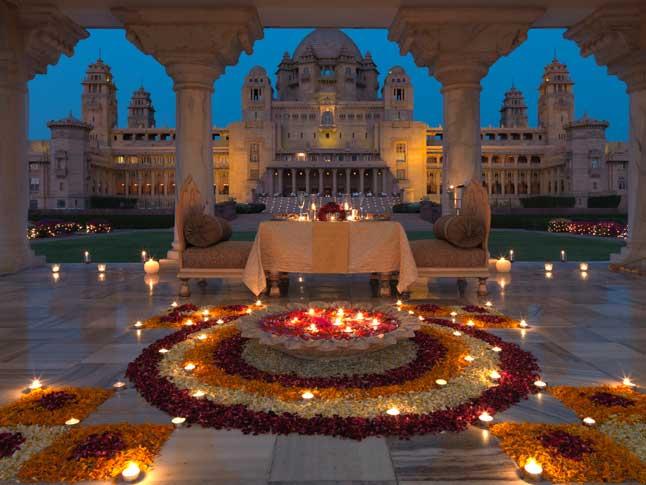 உலகின் மிகச் சிறந்த ஹோட்டல் இதுதான்!: அதன் சுவாரஸ்ய பின்னணியும் , மனதை கொள்ளையடிக்கும் படங்களும் Celebration Table
