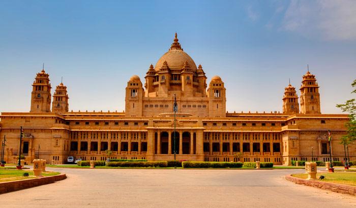 உலகின் மிகச் சிறந்த ஹோட்டல் இதுதான்!: அதன் சுவாரஸ்ய பின்னணியும் , மனதை கொள்ளையடிக்கும் படங்களும் Umaid Bhawan Palace